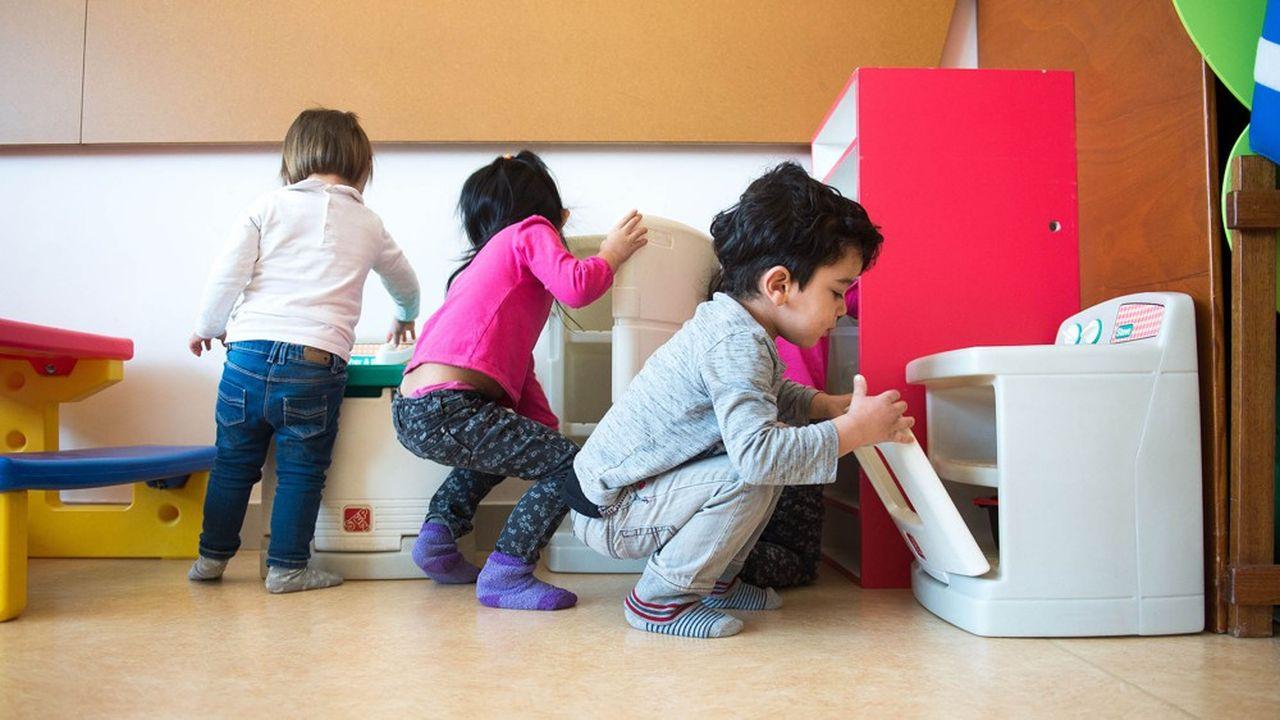 Dans les établissements d'accueil de jeunes enfants, les différents groupes devraient à nouveau pouvoir être mélangés.