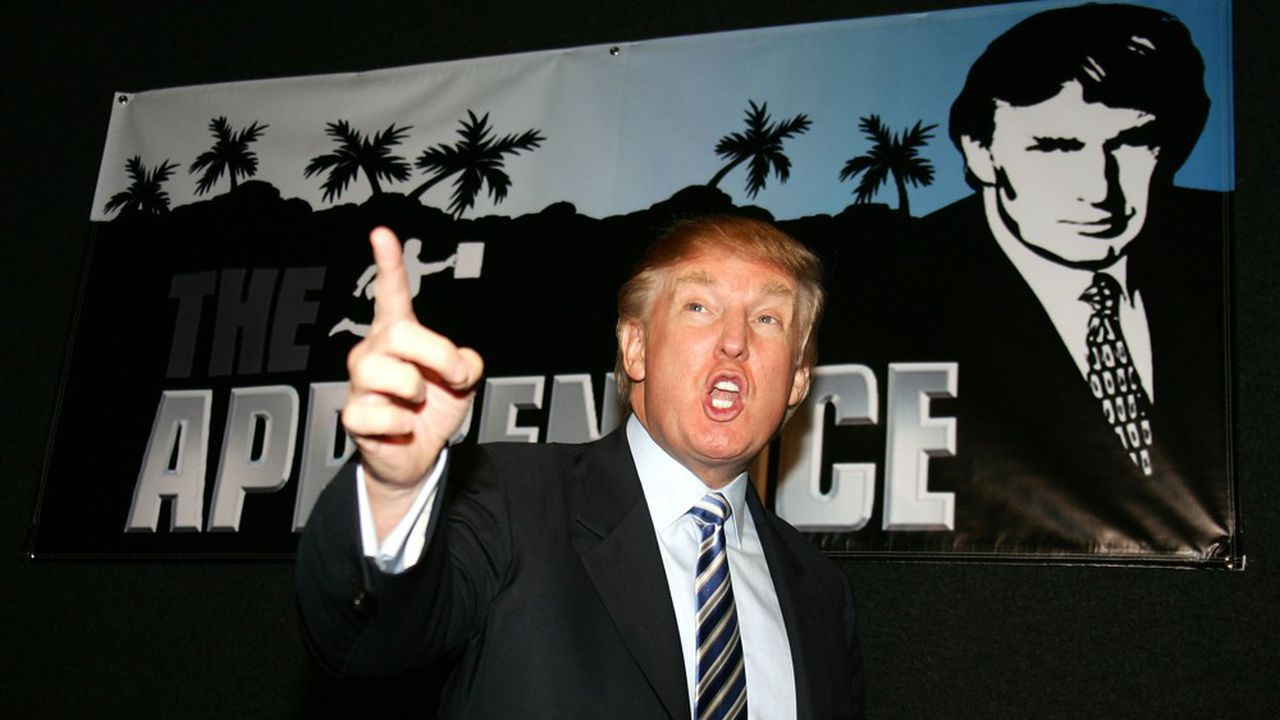 De 2004 à 2015, Donald Trump présentera quatorze saisons du jeu de télé-réalité «The Apprentice», où il cornaque d'apprentis hommes et femmes d'affaires, avec, à la clef, un poste au sein de la Trump Organization.