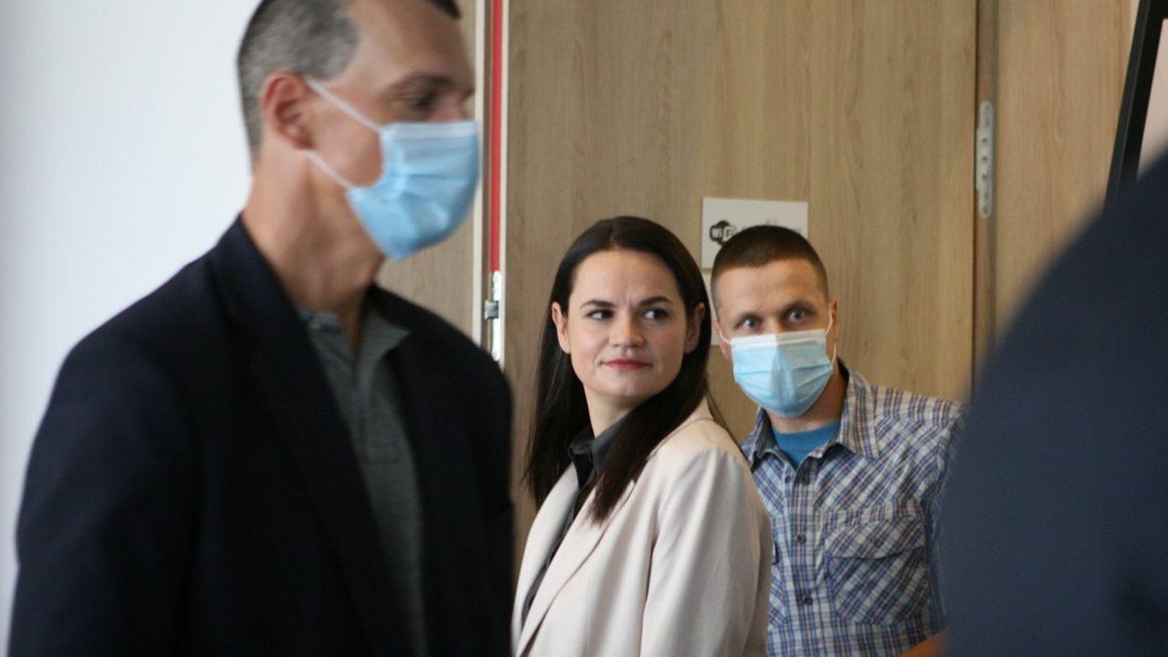Candidate à la présidentielle du 9août à la place de son mari emprisonné, l'opposante Svetlana Tikhanovskaïa assure l'avoir emporté face à Alexandre Loukachenko.