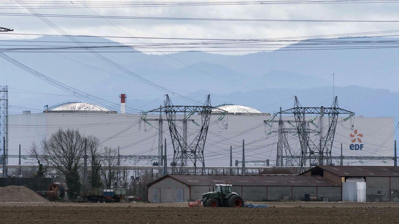 Le confinement a coïncidé avec la fermeture de la centrale nucléaire de Fessenheim, dans le Haut-Rhin. Le premier réacteur a cessé de produire en février, le second en juin.