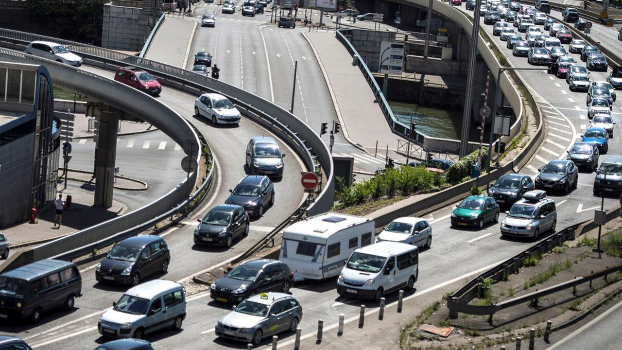 Les élus locaux espèrent que l'aménagement du boulevard urbain M6/M7 pourrait réduire la circulation de 115.000 à 50.000 véhicules par jour sous le célèbre tunnel lyonnais.