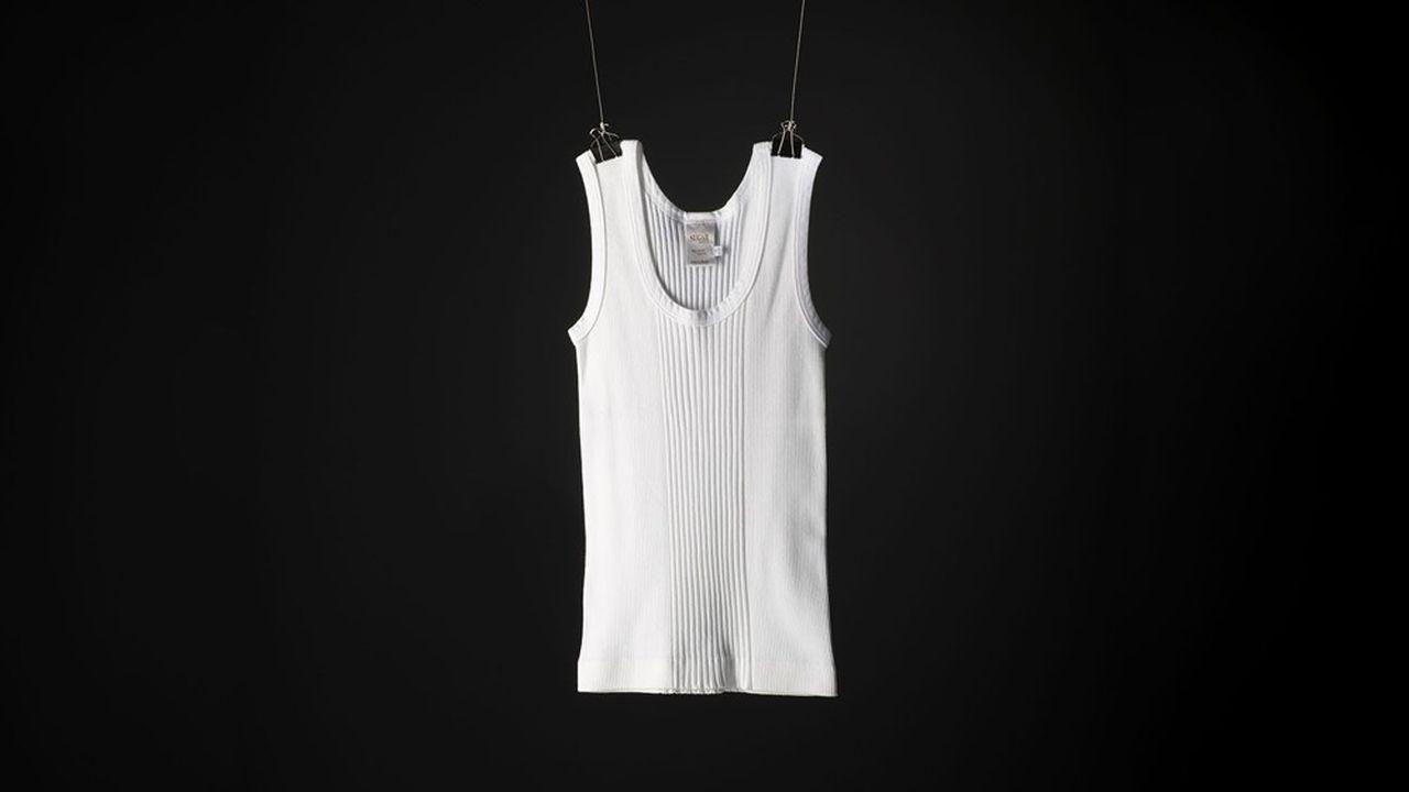 Le petit tricot de corps, dans sa version originale