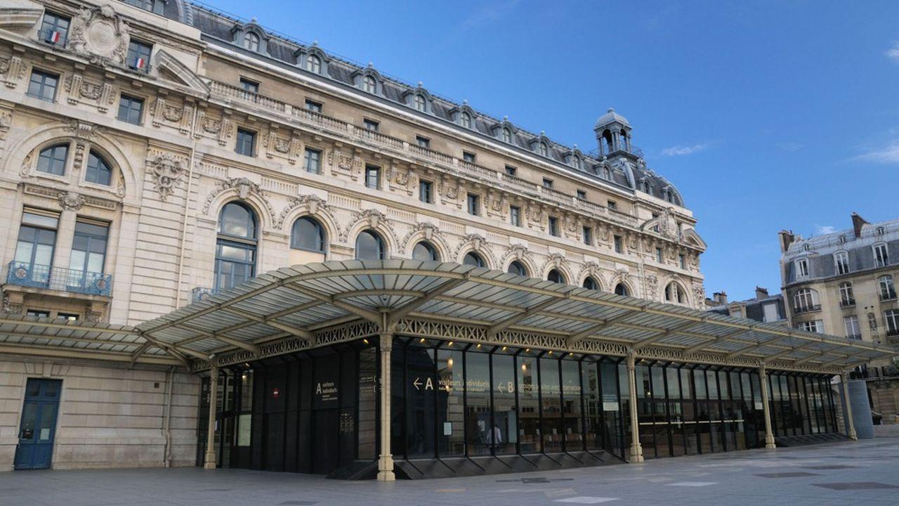 La présidente du musée d'Orsay et du musée de l'Orangerie, Laurence des Cars, ne prévoit pas de retour à la normale avant 2022, et, dit-elle, «l'été 2021 sera un bon test sur le retour de la clientèle internationale».