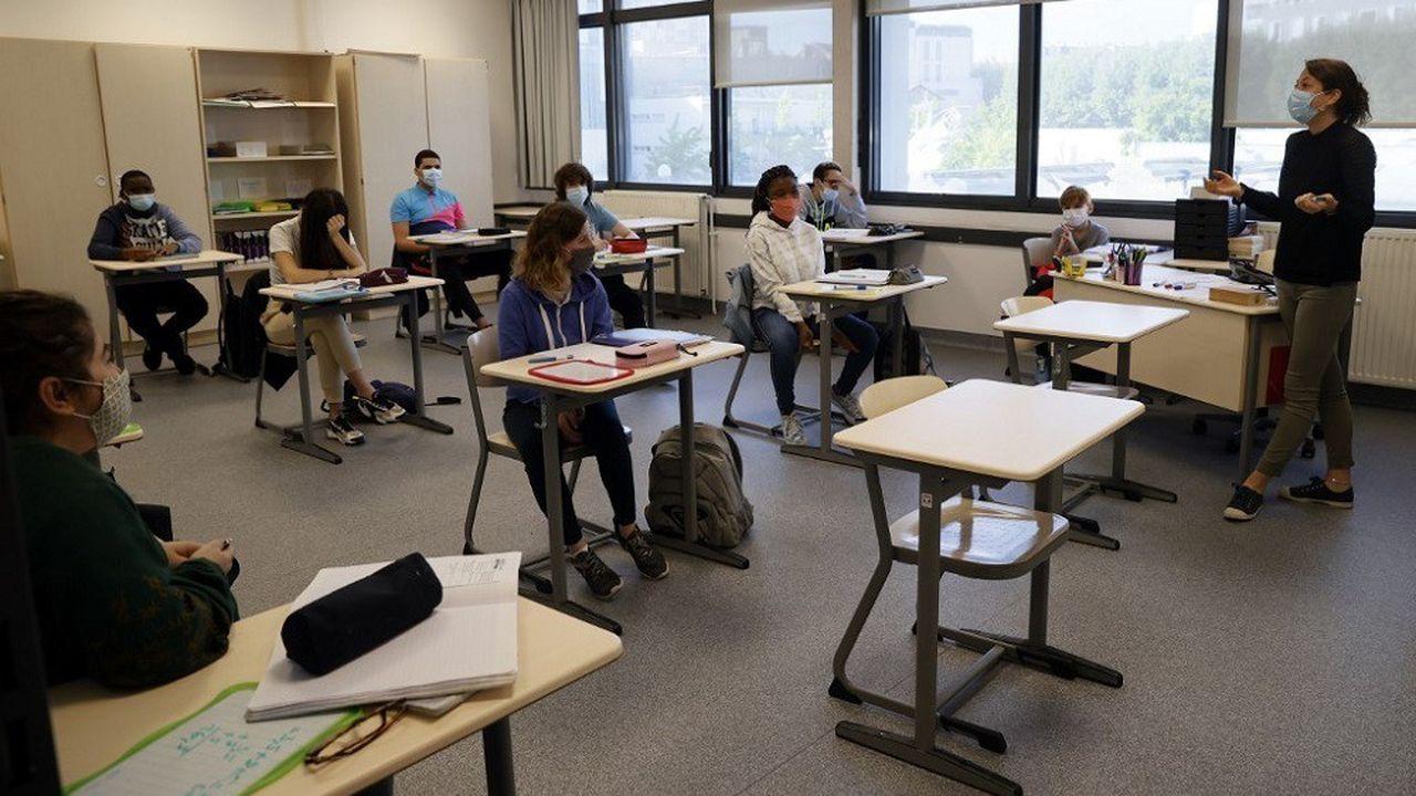 Le port du masque sera obligatoire dans les salles de classe pour les élèves de plus de 11 ans dès la rentrée.