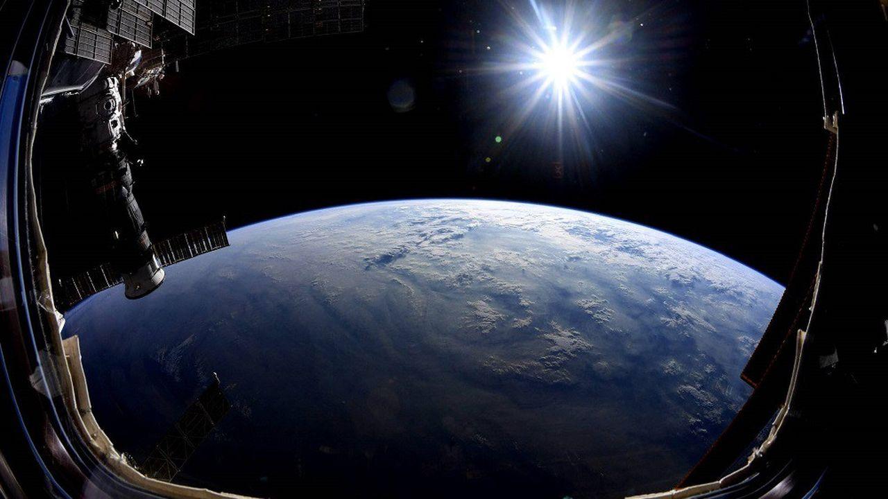 Un type de bactéries a réussi à survivre dans l'espace, à l'extérieur de la Station spatiale internationale.