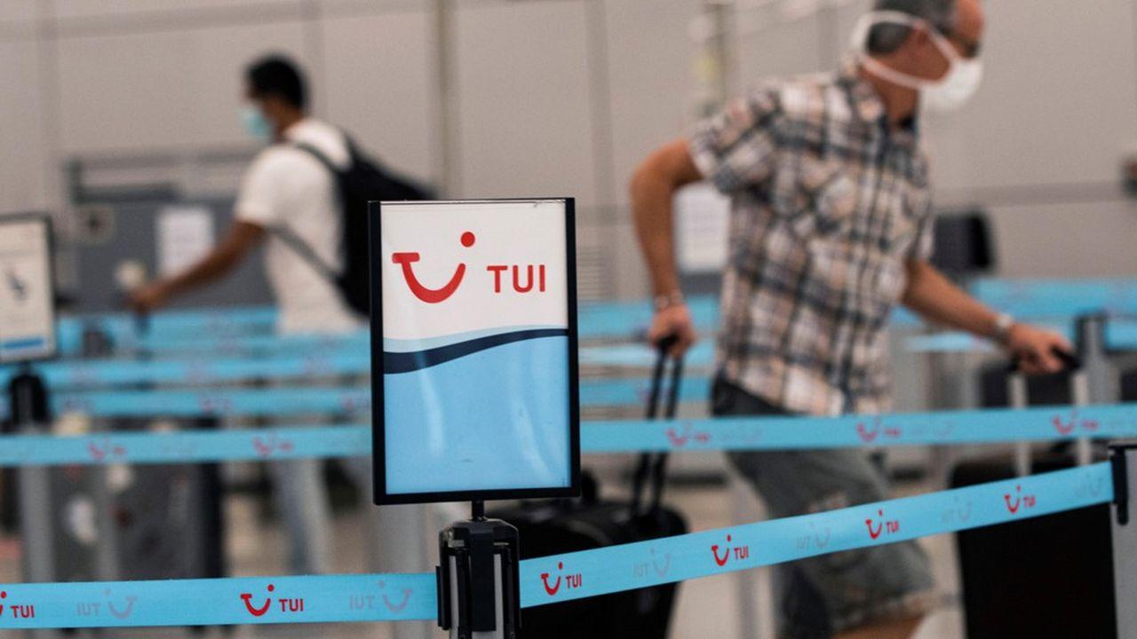 La direction de TUI France, chroniquement déficitaire, envisage de supprimer jusqu'à 583postes sur un total de 904, 266 d'entre eux correspondant au désengagement des agences en propre.