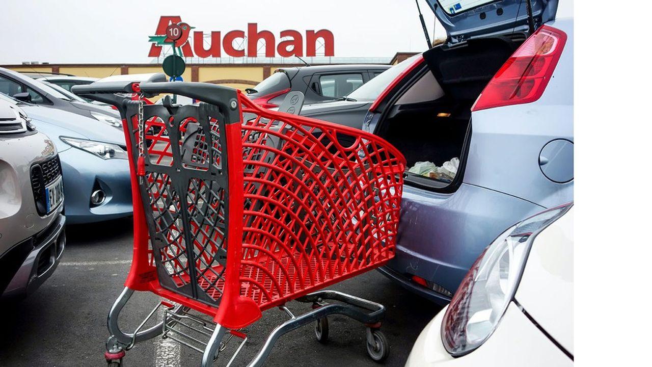 Dans les hypermarchés français d'Auchan, le confinement a fait chuter la fréquentation, mais le panier moyen des clients qui sont venus était très important.
