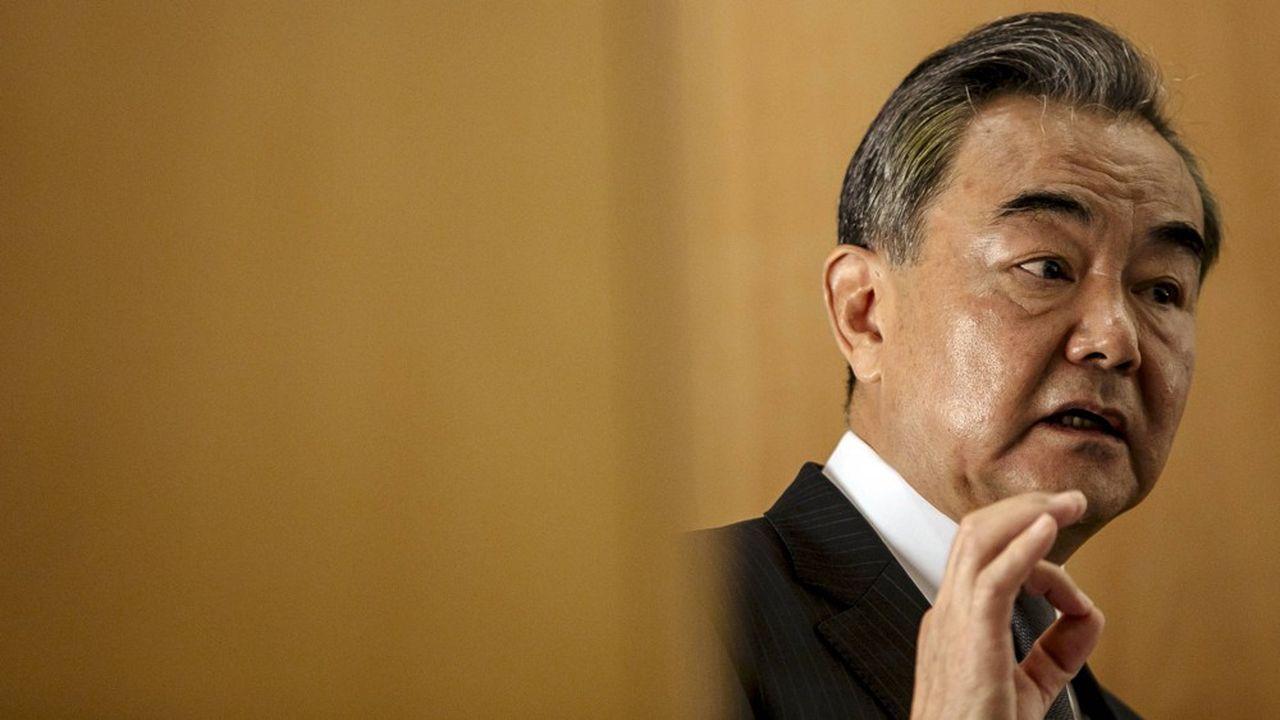 Le ministre des affaires étrangères chinois Wang Yi lors d'une conférence à l'Ifri le 30 aout 2020.