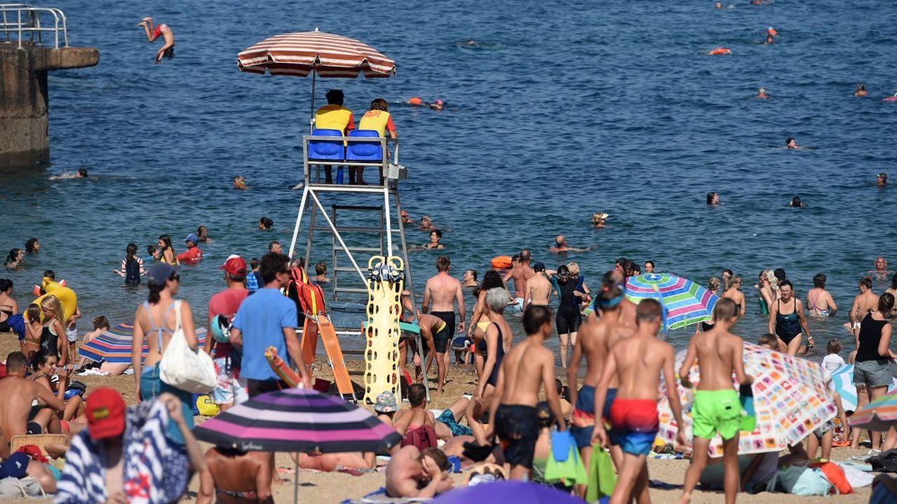 L'été a été porteur pour le littoral atlantique, comme en témoigne, entre autres, la fréquentation de la plage de Biarritz (notre photo).