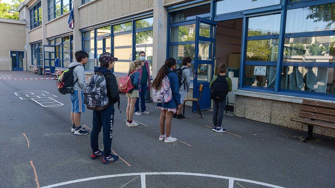Le gouvernement veut accueillir tous les élèves malgré les contraintes sanitaires.
