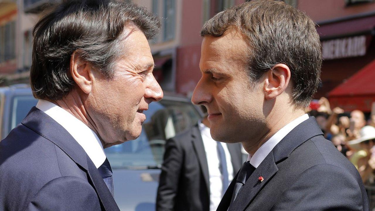 Le maire de Nice, Christian Estrosi, ici avec Emmanuel Macron le 14juillet 2017 lors de la commémoration de l'attentat du 14juillet 2016.