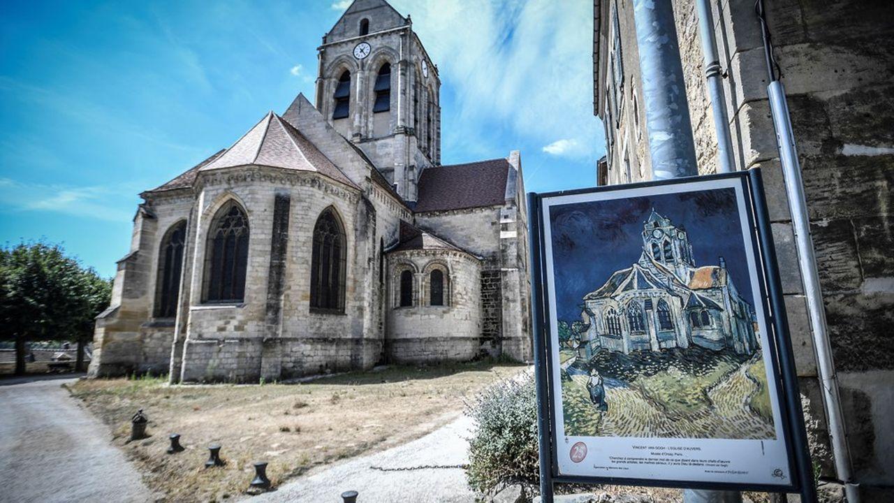 Peinte par Vincent Van Gogh, l'église d'Auvers-sur-Oise attire de nombreux visiteurs.