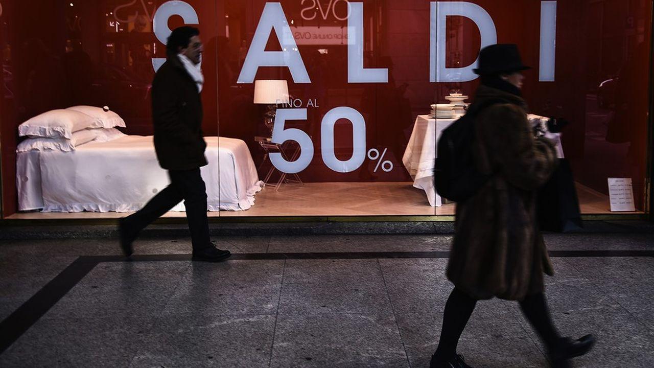 Les soldes ont été décalées au mois d'août cette année en Italie, pesant à la baisse sur les prix.