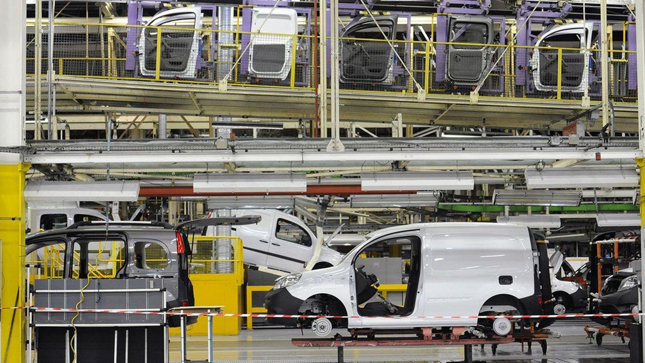 La production auto dans les usines françaises devrait chuter de 39% cette année, selon IHSMarkit.