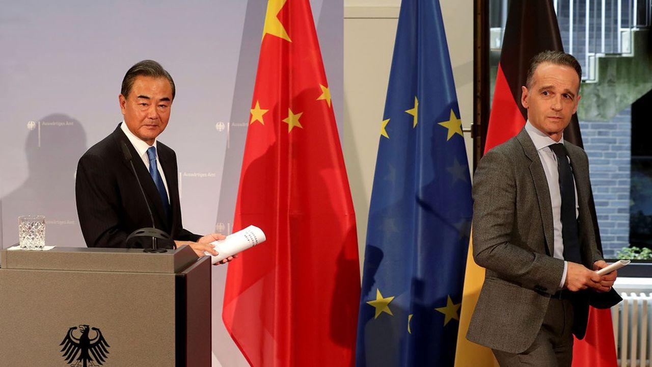Le ministre des Affaires étrangères chinois Wanh Yi et son homologue allemand Heiko Maas ont marqué leurs divergences à la suite de leur rencontre à Berlin mardi./Pool via REUTERS
