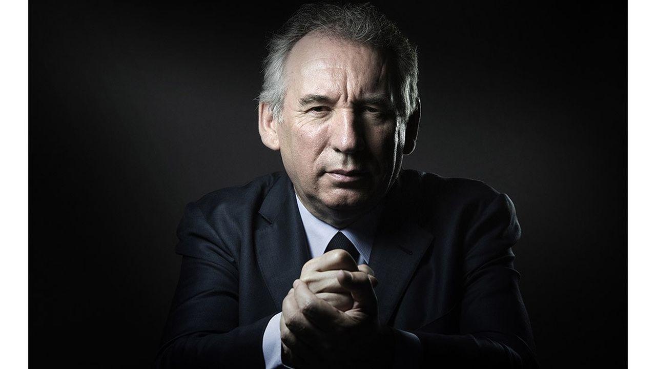 François Bayrou, son parcours politique en photos