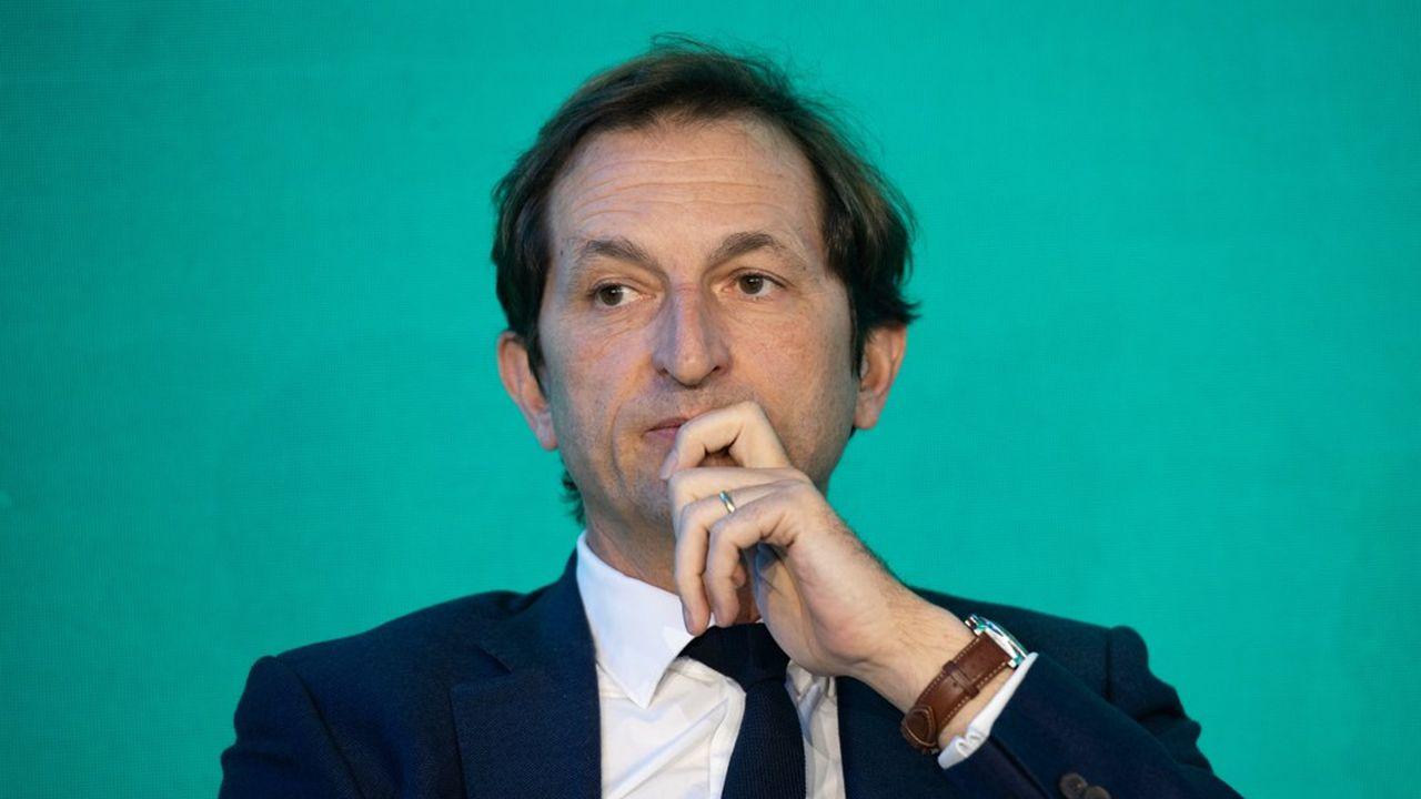 Bertrand Camus, le directeur général de Suez, écrit dans son message aux 90.000 salariés du groupe qu'«avec l'équipe de direction, nous sommes mobilisés pour préserver l'intégrité de Suez.»