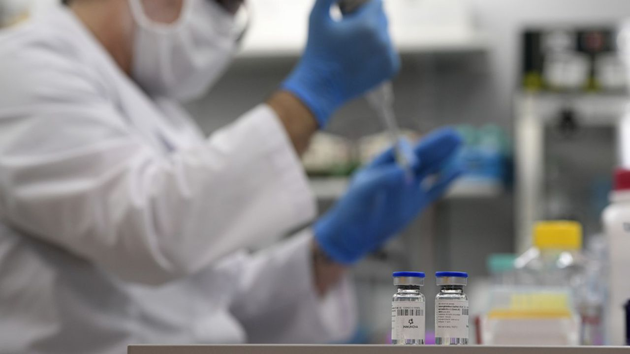 La solution porte un nom: un «peptide», autrement une molécule faisant office de leurre capable de tromper le virus et de le détourner des cellules pulmonaires.