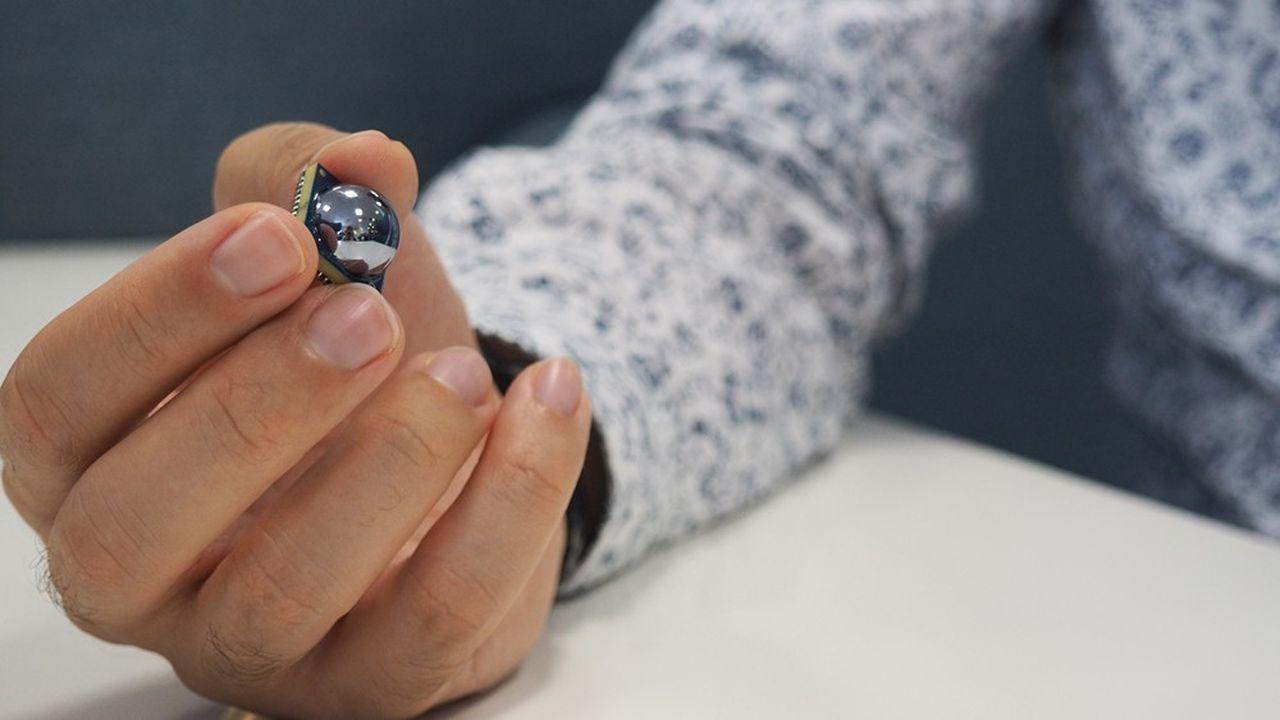 Extrêmement compact, le dispositif de contrôle qualité mis au point par TiHive est aisément installable tout au long d'une chaîne de production.