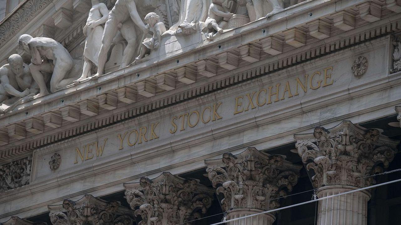 La forte progression des émissions de capital et d'obligations, en particulier aux Etats-Unis, a soutenu les revenus des grandes banques d'investissement.