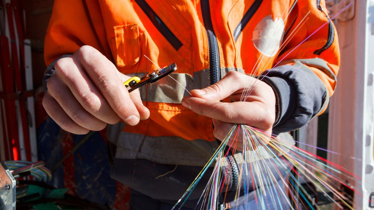 7,6millions de Français sont abonnés à la fibre optique, des fils de verre qui apportent le très haut débit.