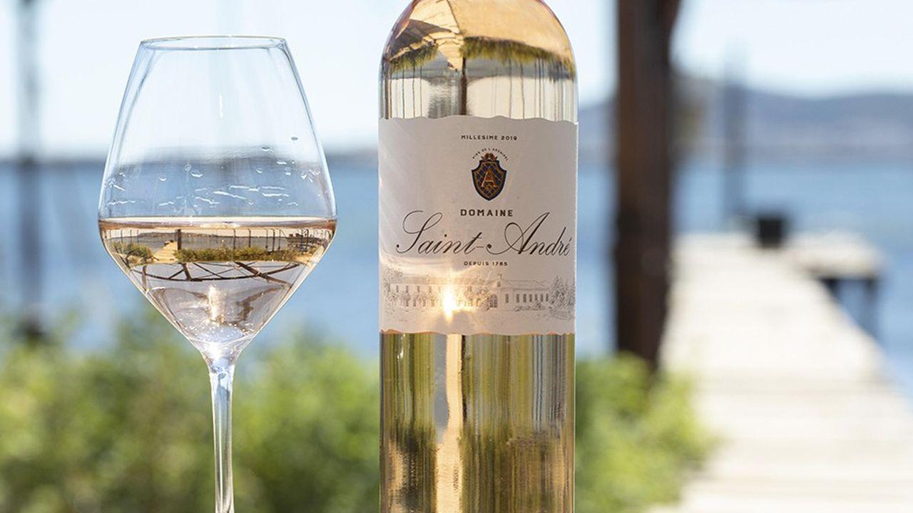 Le Domaine Saint-André produit deux gammes de vin, une cuvée premium et Folie d'Inès.