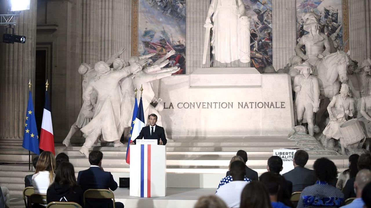 Ceux qui « s'en prennent aux forces de l'ordre, aux élus, ne passeront pas », assuré ce vendredi Emmanuel Macron lors d'un discours au Panthéon.