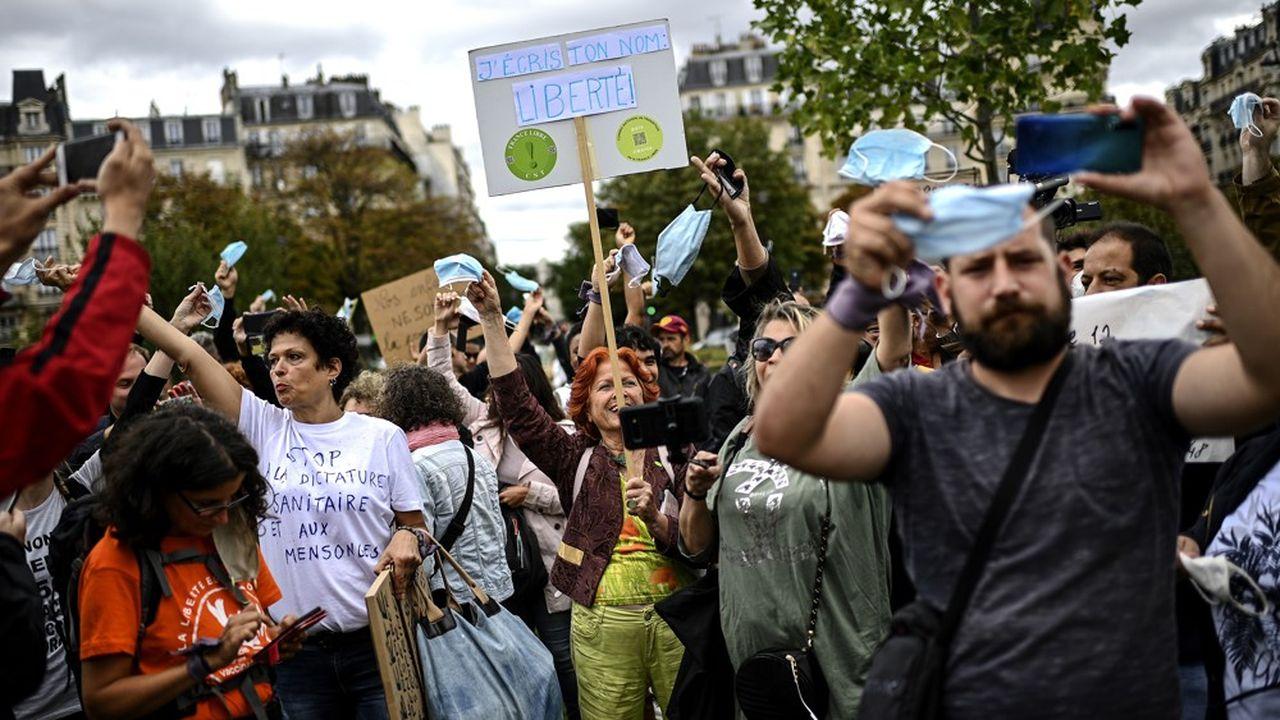 Les manifestations anti-masques en France ont, jusqu'à présent, réuni une poignée d'individus.