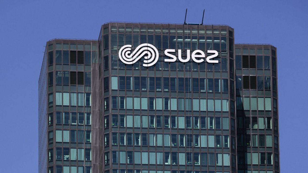 Veolia a proposé à Engie de racheter la quasi-totalité de sa participation dans Suez, soit 29,9%, pour environ 2,9milliards d'euros.