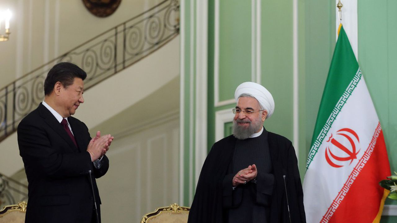Le 23janvier 2016, les présidents iranien Hassan Rohani et chinois Xi Jinping tenaient une conférence de presse conjointe à l'issue de leur rencontre à Téhéran.