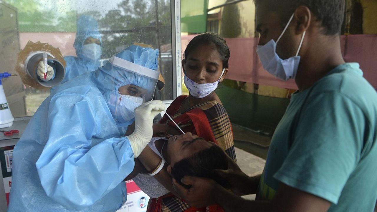 Avec plus de 4,2millions de personnes contaminées depuis le début de la pandémie, l'Inde devient la deuxième nation la plus touchée au monde par le coronavirus.