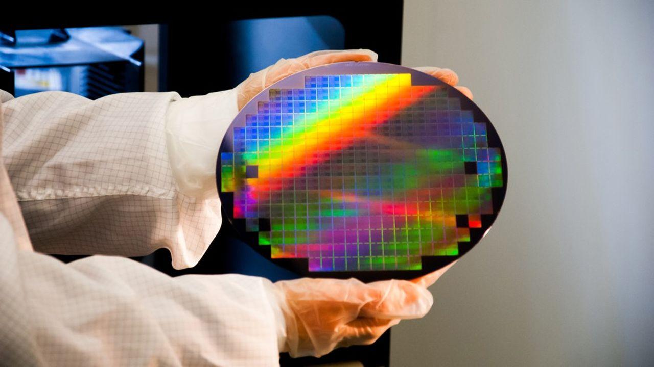 Dès 2022, Aledia produira en Isère en grandes séries ses diodes électroluminescentes en utilisant des nanofils en nitrure de gallium (GaN) déposés sur des plaques en silicium.