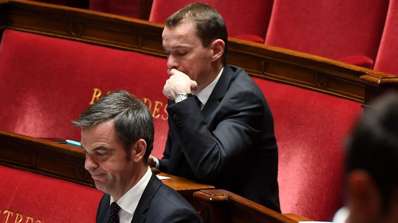 Les deux ministres de tutelle de la Sécurité sociale, Olivier Véran et Olivier Dussopt, sont confrontés à la hausse du coût des tests Covid.