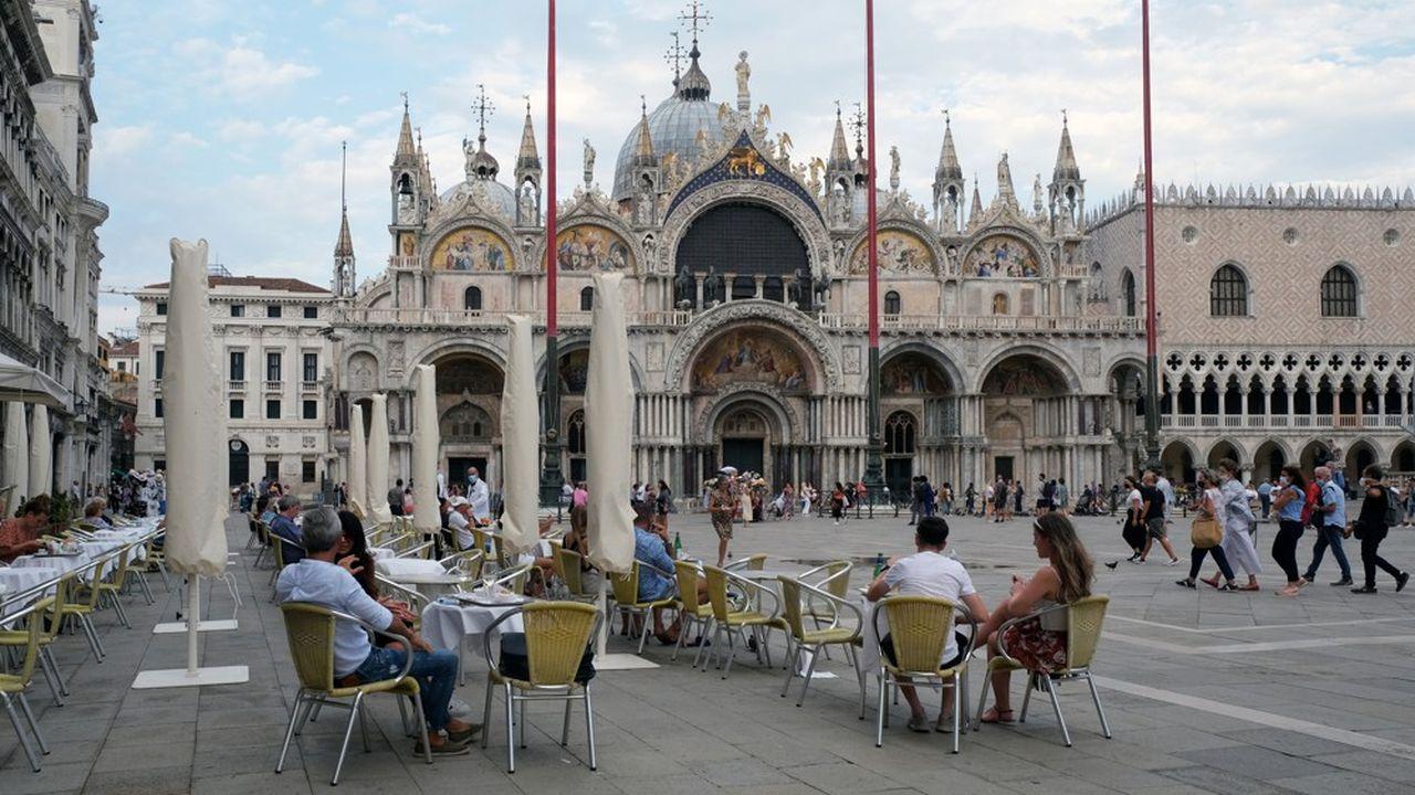 La place Saint-Marc à Venise, le 29août dernier est presque vide. La ville s'apprête pourtantà accueillir la Mostra, premier festival à être organisé depuis le début de l'épidémie.
