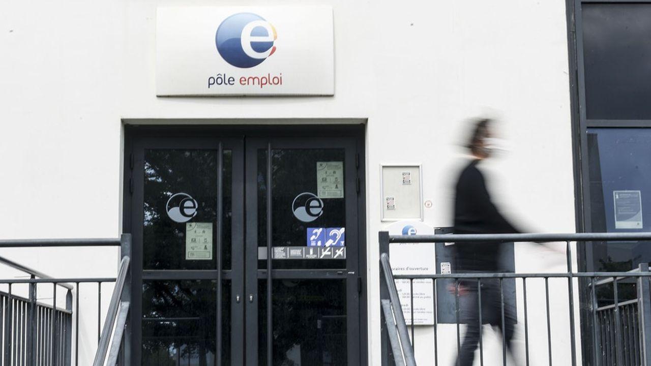 Près de 500.000 emplois avaient déjà été détruits au premier trimestre en France.