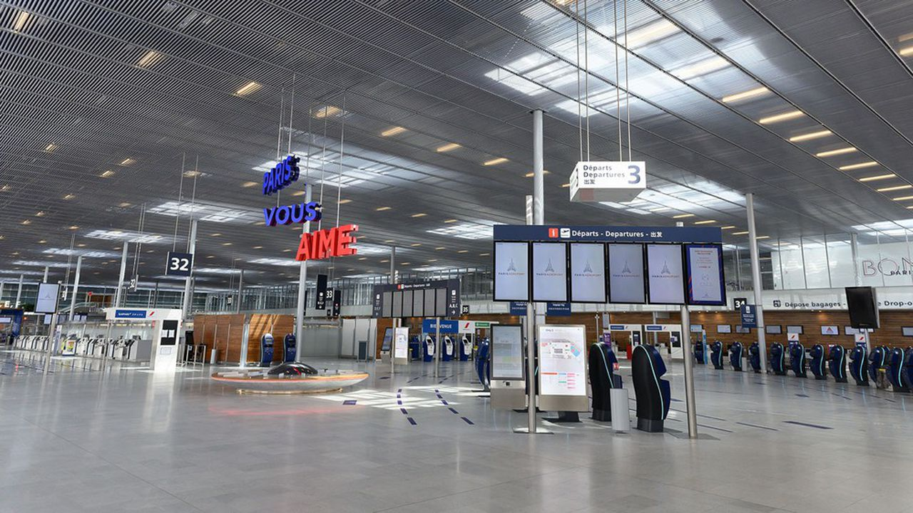 Le trafic aérien reprend très lentement en Europe, ce qui fait peser des risques sur toute la filière aéronautique française dont les exportations ont atteint 64milliards d'euros l'an passé.