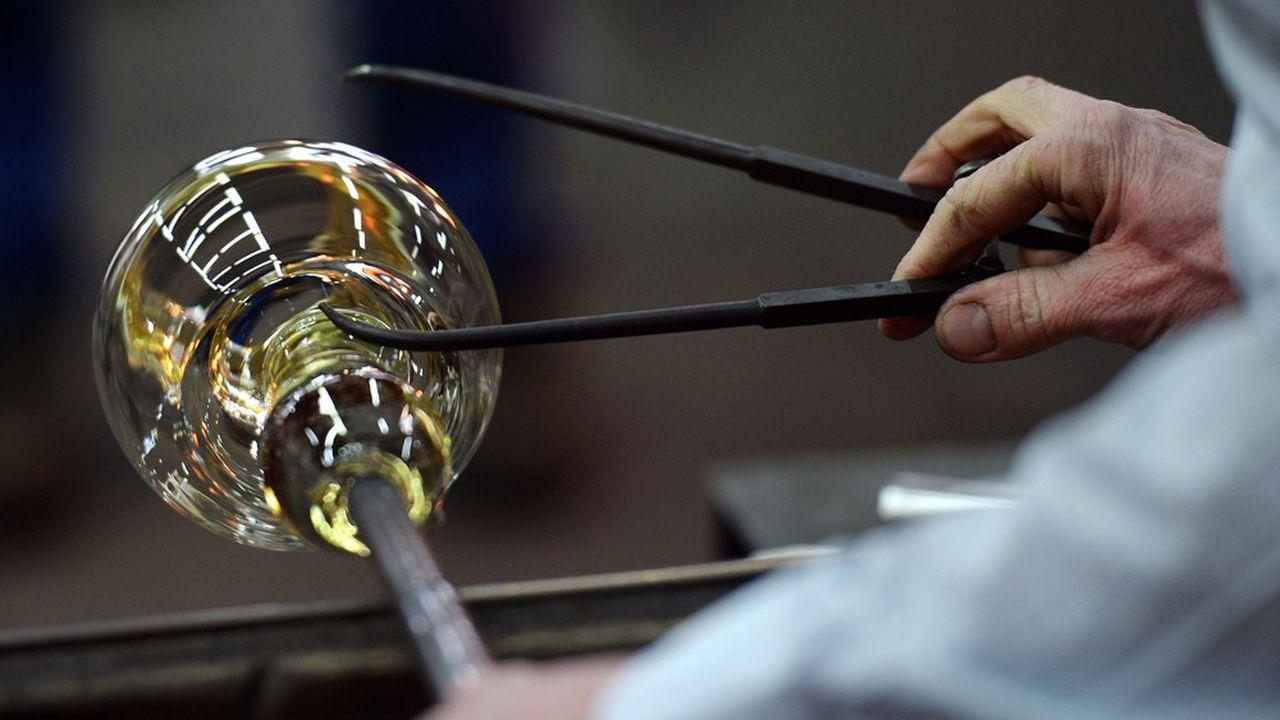La cristallerie Baccarat, joyau du patrimoine lorrain, a été créée par le roi Louis XV en 1754