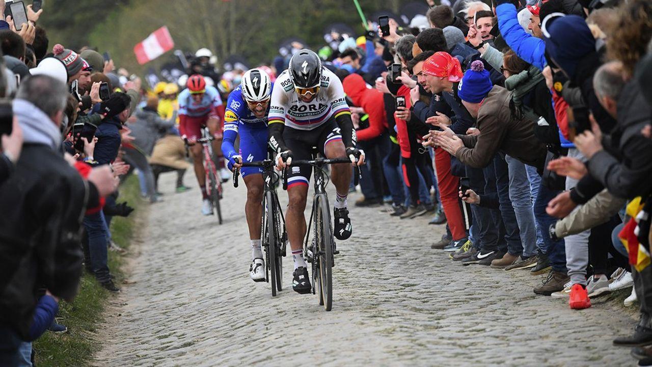 Peter Sagan devant Philippe Gilbert lors de l'édition 2019 de Paris-Roubaix