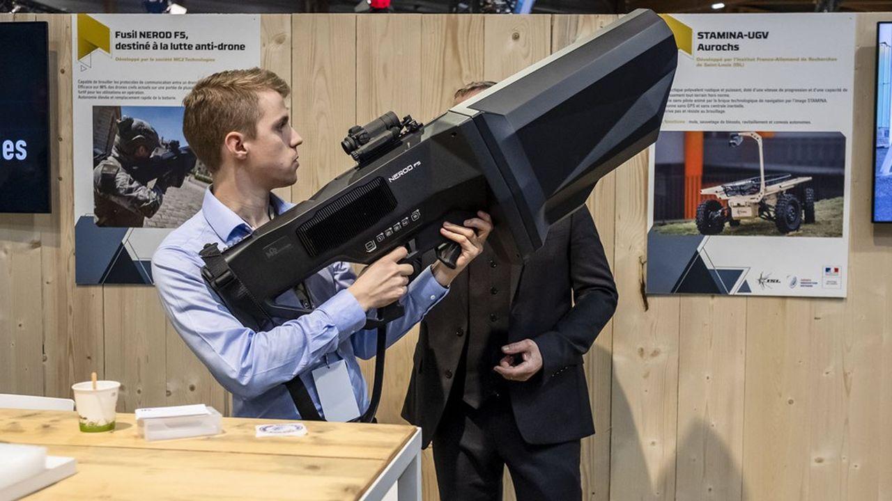 La lutte anti-drone devient une priorité. Spin-off issue du laboratoire de recherche IEMN, la société MC2 Technologie a inventé un fusil anti drone, le Nerod F5