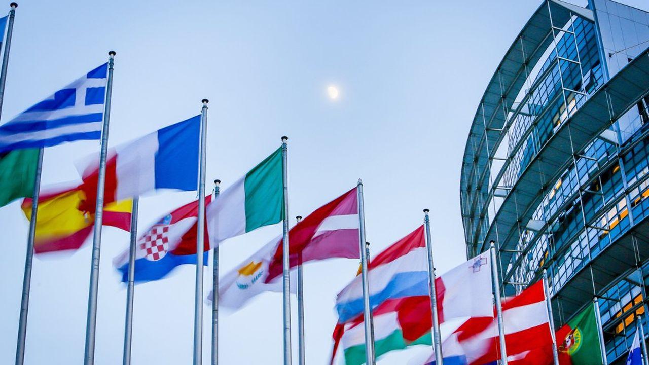 Selon les traités européens, le Parlement européen a son siège à Strasbourg.