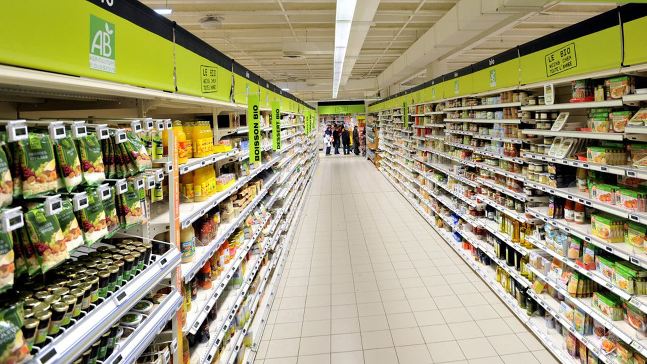 Auchan coupe dans les fonctions administratives de ses hypermarchés.