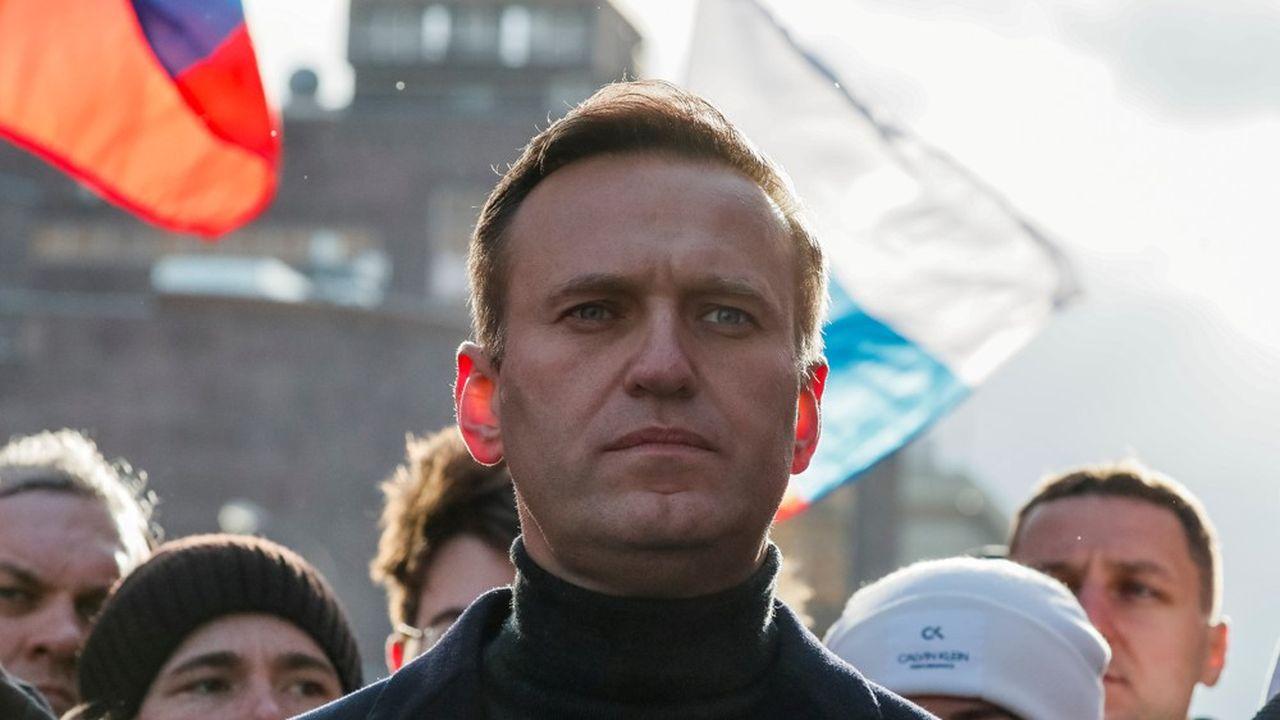 Alexeï Navalny, 44 ans, est soigné en Allemagne où les médecins disent avoir trouvé les traces d'un empoisonnement à un agent innervant.