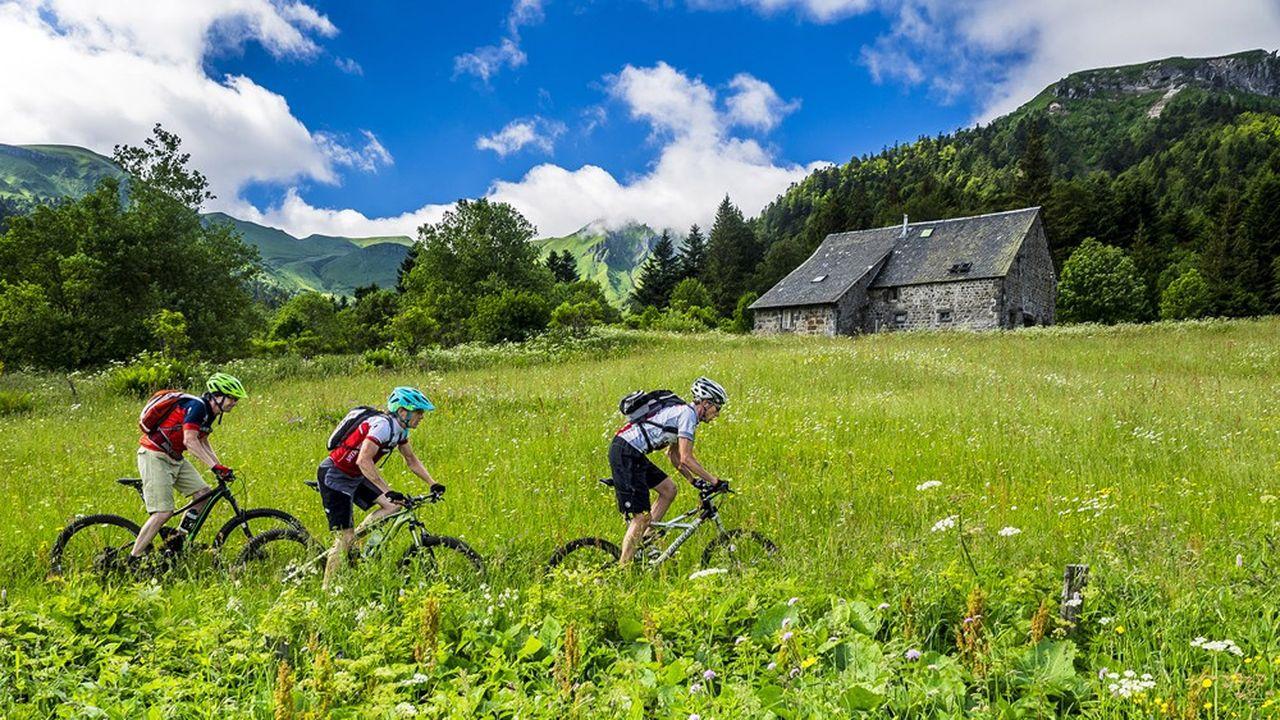 La montagne a beaucoup plus attiré que la ville: le taux d'occupation des hôtels a dépassé 70% en Savoie et frôlé 90% en Puy-de-Dôme.