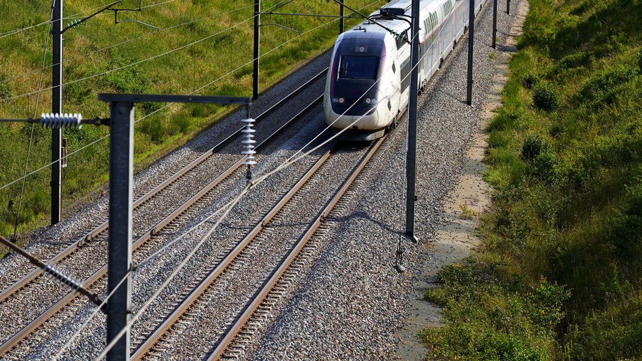 Construite entre Vémars et Marly-la-Ville, cette ligne nouvelle est prévue pour faire circuler des TGV et des RER à l'horizon 2025.