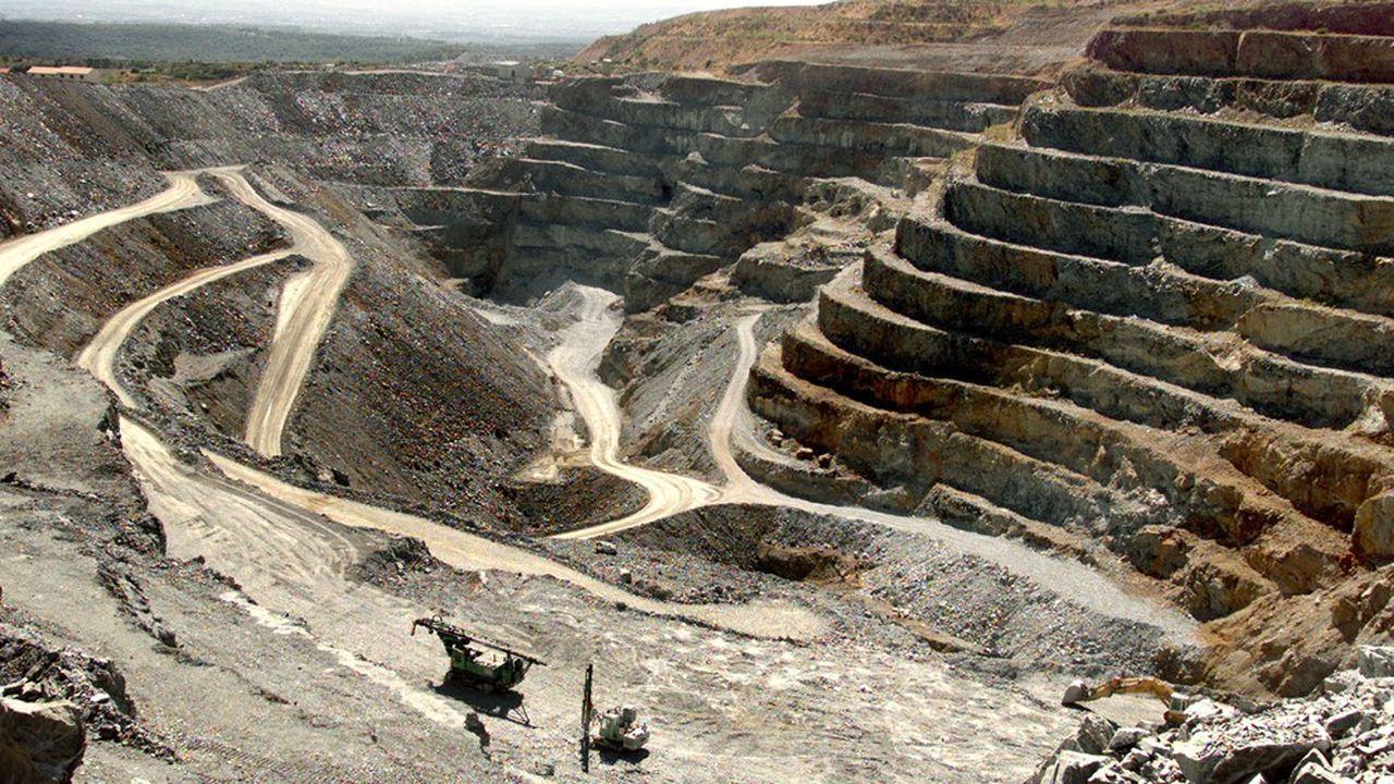 L'ancienne mine d'Or de Salsigne, dans le département de l'Aude, est un site pollué à l'arsenic.