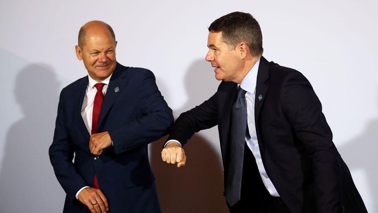 Le président de l'Eurogroupe Paschal Donohoe (à d.) et le ministre des Finances allemand Olaf Scholz se sont retrouvés vendredi à Berlin avec les autres ministres des Finances européens.