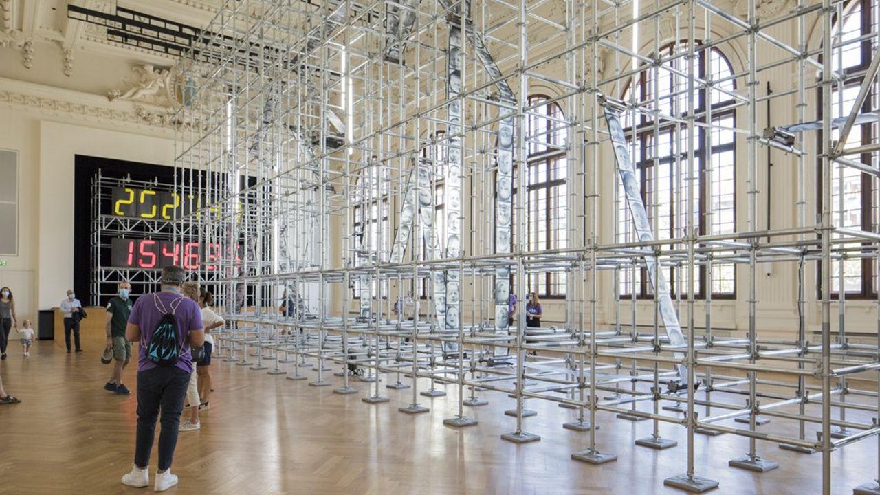 L'installation «Chance» de Christian Boltanski , une rotative de la vie où défilent des visages de nourissons.
