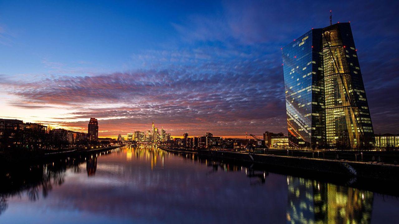 Fin juillet, la BCE avait prolongé jusqu'à la fin de l'année sa recommandation de ne pas verser de dividendes, créant la déception de nombreux états-majors dans les établissements.