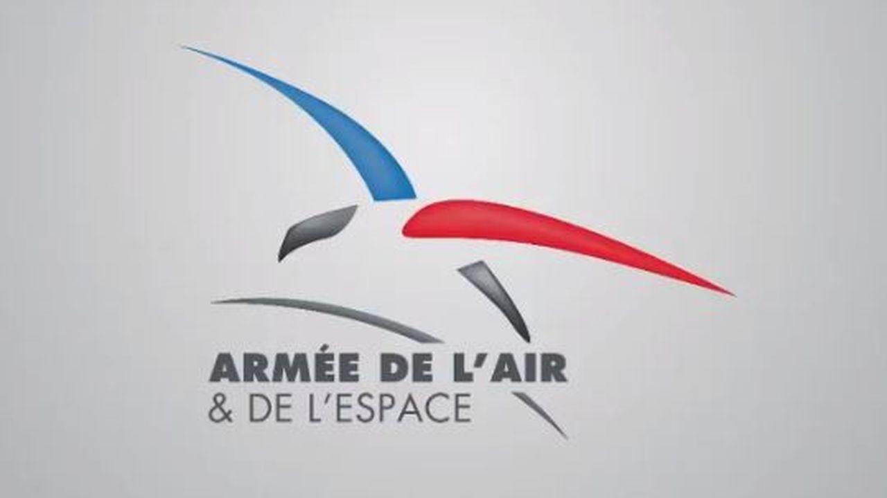 Lors d'une cérémonie, la ministre des Armées, Florence Parly, a ainsi dévoilé le nouveau logo de l'entité.
