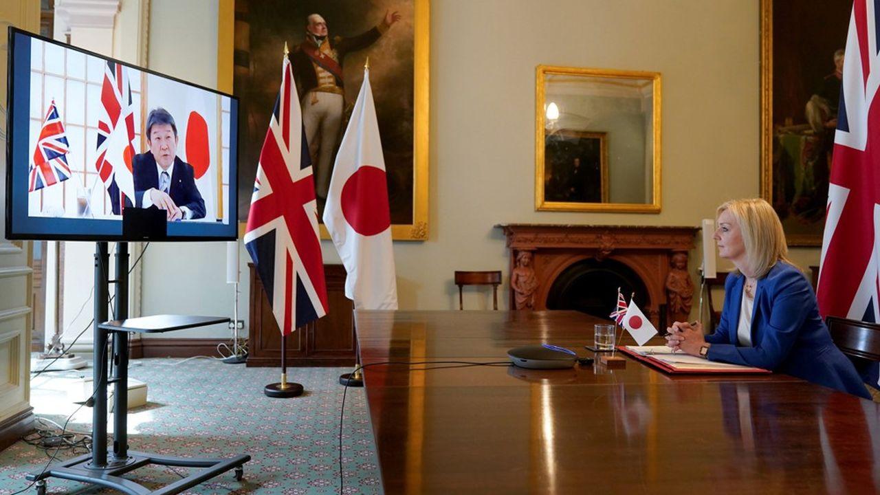 La très Brexiter ministre britannique du Commerce international, Liz Truss, n'a pas hésité vendredi à parler de «moment historique» au terme d'une ultime visioconférence avec le ministre japonais des Affaires étrangères, Toshimitsu Motegi.
